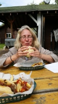 Ahh a juicy Burger, Gun Flint Trail, www.usathroughoureyes.com