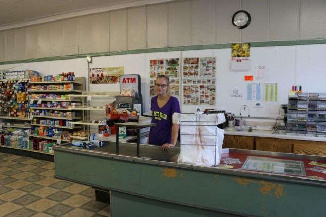 Ashley at Lake Bronson Market www.usathroughoureyes.com