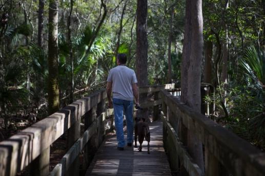Tom and Emma walking through John Chesnut Senior Park, Tarpon Springs, FL. / ©2016 Audrey / www.usathroughoureyes.com