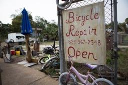 Apalachicola Community Bikes, Apalachicola, FL ©2017 Audrey Horn / www.usathroughoureyes.com