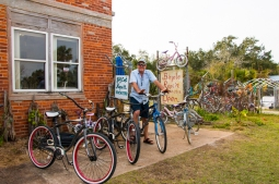 Kevin Hand offers bicycle rentals, refurbished bicycle sales and service. www.usathroughoureyes.com