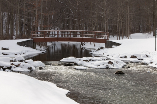 Waterfalls in the snow at Holley, NY. www.usathroughoureyes.com