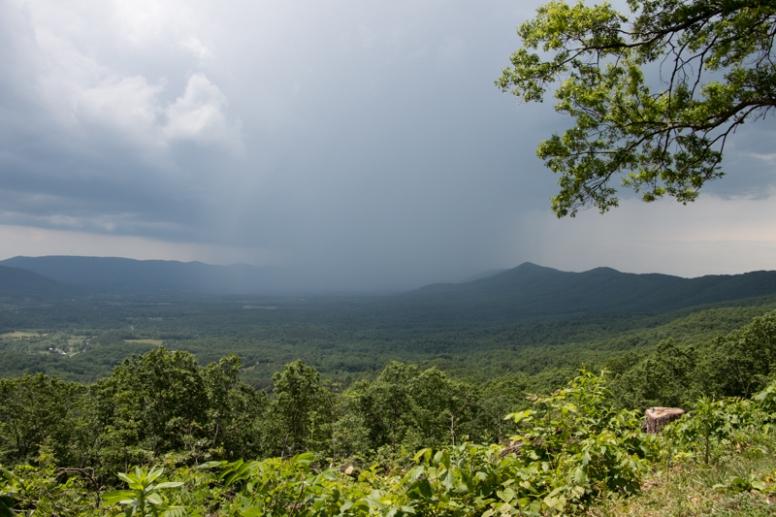 Blue Ridge Parkway - Storm on the Horizon. www.usathroughoureyes.com